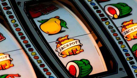 How to Play and Win at Online Fruit Machines