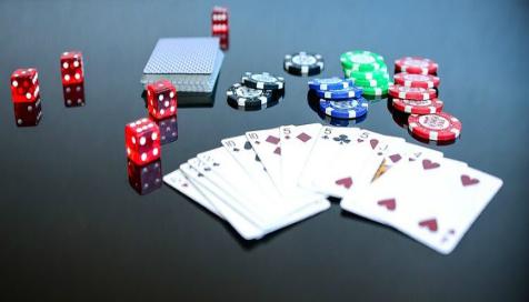 ポーカーフェースで大勝利を勝ち取ろう!