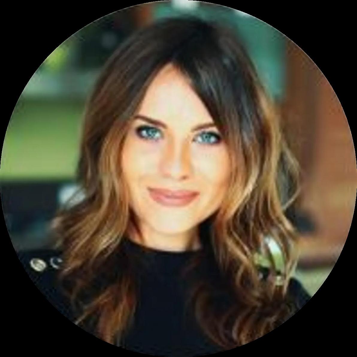 Chrystyna Krechtiak 营销和客户经理