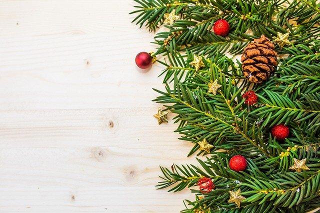 Новый год в онлайн-казино: рождественские бонусы и акции, специальные розыгрыши новогодних подарков, зимние слоты